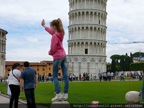 P20)擺Pose拍照的遊客.jpg