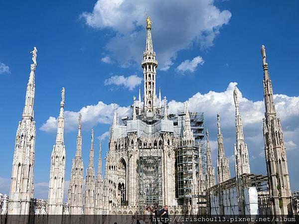 P24)米蘭大教堂的最頂端.jpg