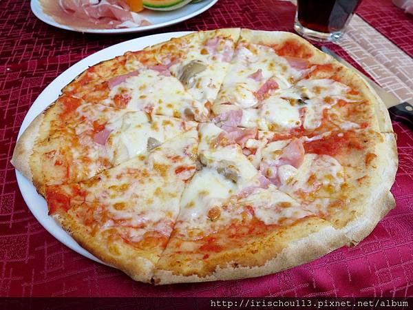 P31)披薩滋味~頗有水準.jpg