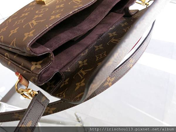 P14)Metis包內採用棕色絨布.jpg