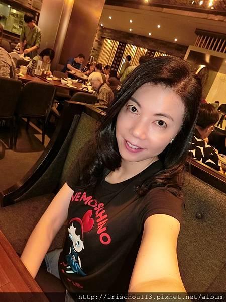 P19)我在微風信義樂天皇朝餐廳.jpg