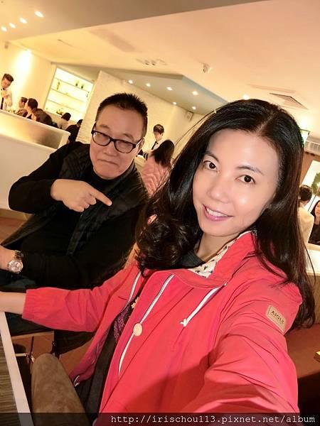 P12)我和咪呢在Sarabeth's.jpg