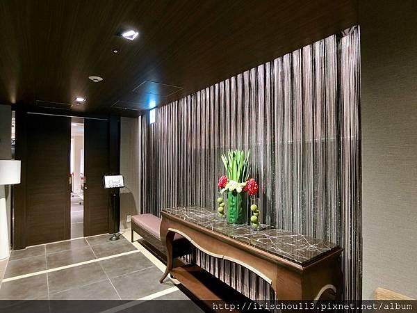 P6)格蘭巴哈酒店內僅設置一個小餐廳,本圖為餐廳入口。.jpg