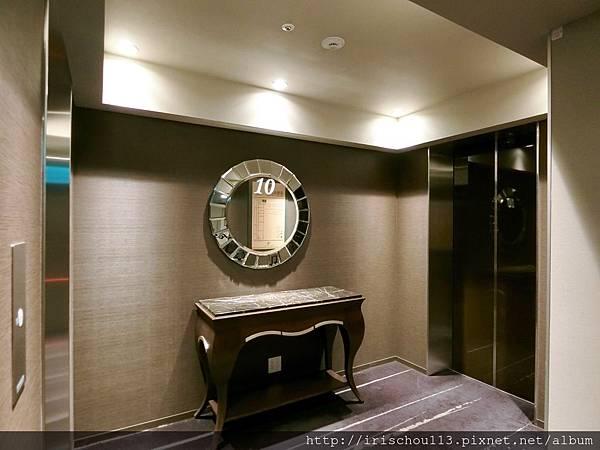 P16)十樓電梯間.jpg