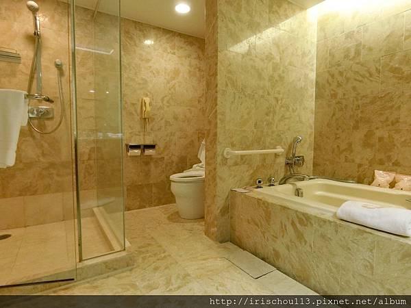 P10)浴室.jpg