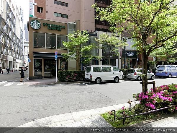 P22)酒店對街的星巴克.jpg