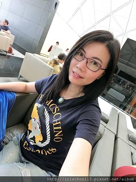 P24)我在國泰航空VIP室.jpg