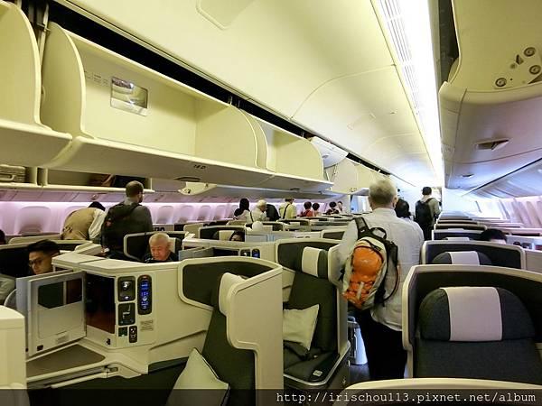 P28)CX472商務艙內觀.jpg