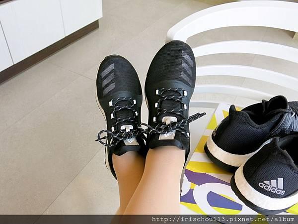 P14)我和我新買的兩雙Adidas.jpg