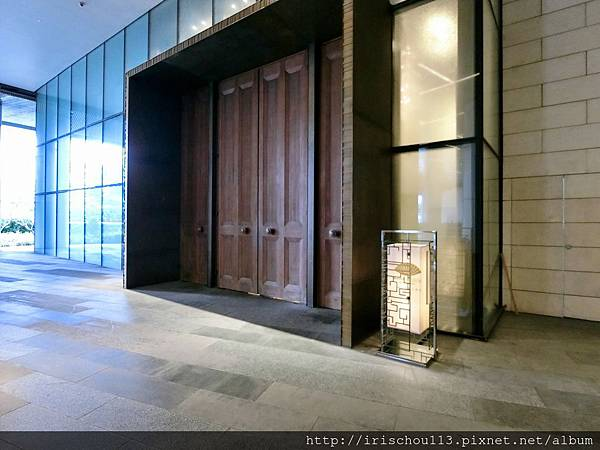 P5)側門入口.jpg