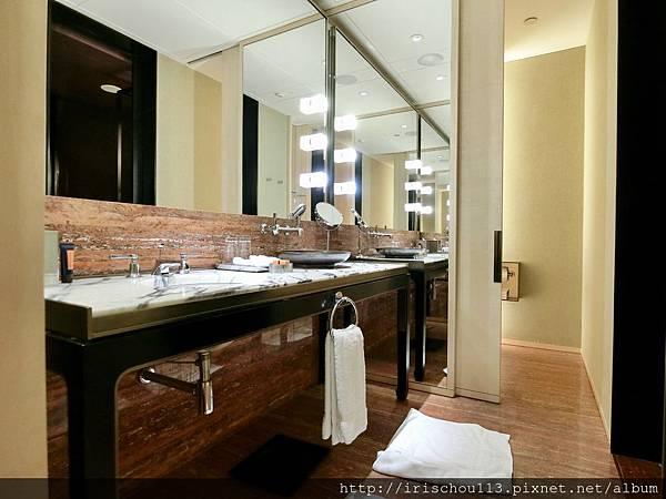 P21)盥洗室.jpg