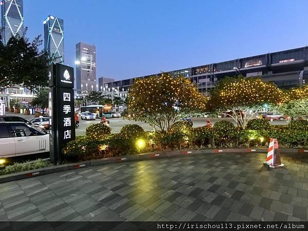 P22)深圳四季酒店入口.jpg