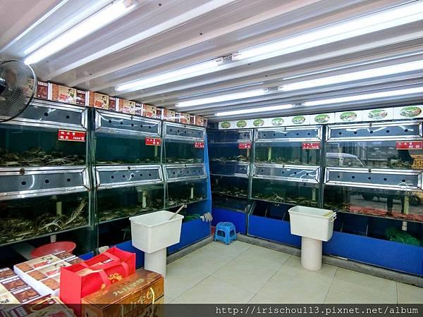 P9)大閘蟹専賣店內觀.jpg