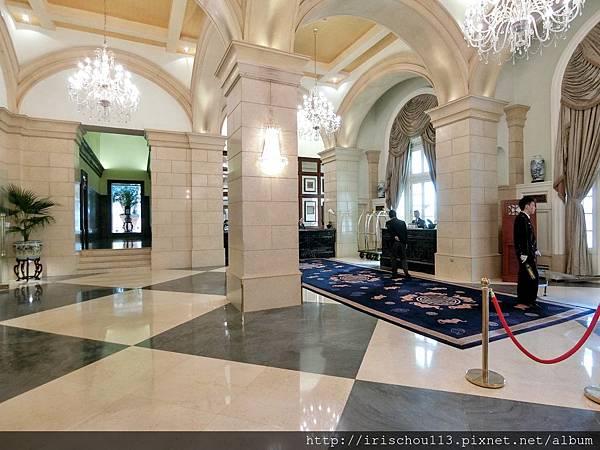 P15)酒店入口處的安檢區域.jpg