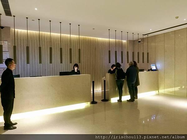 P14)酒店Check in櫃枱.jpg