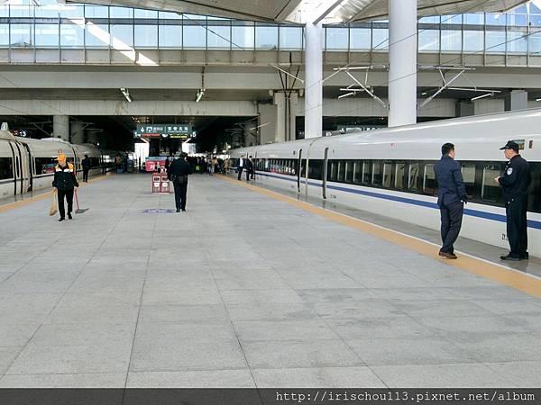 P2)西安北站月台.jpg