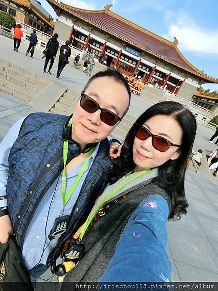 P13)我和咪呢在南京博物館.jpg