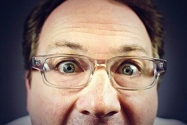 peeping-tom-316125_960_720.jpg