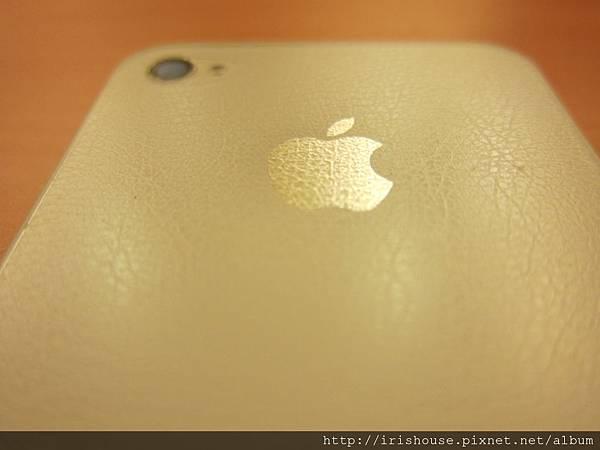 白色iPhone背面近照之2