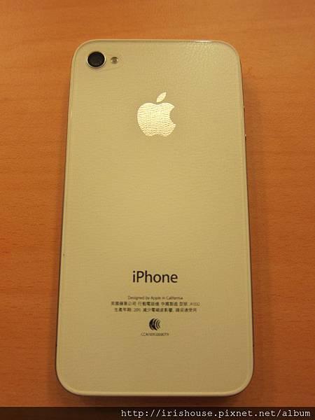 白色iPhone背面