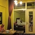 肯亞綠地房間-樓下客廳.jpg
