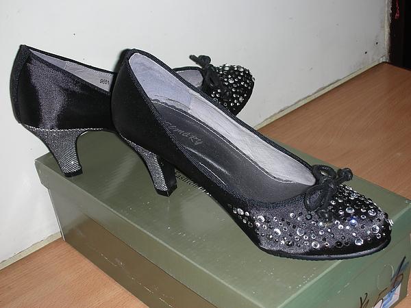 Shoe 03.JPG