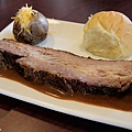 台北-Ed's diner 碳烤牛胸肉-豬肋排-手撕豬肉漢堡-黑眼豆豆-馬鈴薯-內湖-樂群路 (8)
