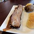 台北-Ed's diner 碳烤牛胸肉-豬肋排-手撕豬肉漢堡-黑眼豆豆-馬鈴薯-內湖-樂群路 (10)