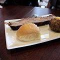 台北-Ed's diner 碳烤牛胸肉-豬肋排-手撕豬肉漢堡-黑眼豆豆-馬鈴薯-內湖-樂群路 (11)