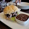 台北-Ed's diner 碳烤牛胸肉-豬肋排-手撕豬肉漢堡-黑眼豆豆-馬鈴薯-內湖-樂群路 (16)