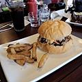 台北-Ed's diner 碳烤牛胸肉-豬肋排-手撕豬肉漢堡-黑眼豆豆-馬鈴薯-內湖-樂群路 (20)
