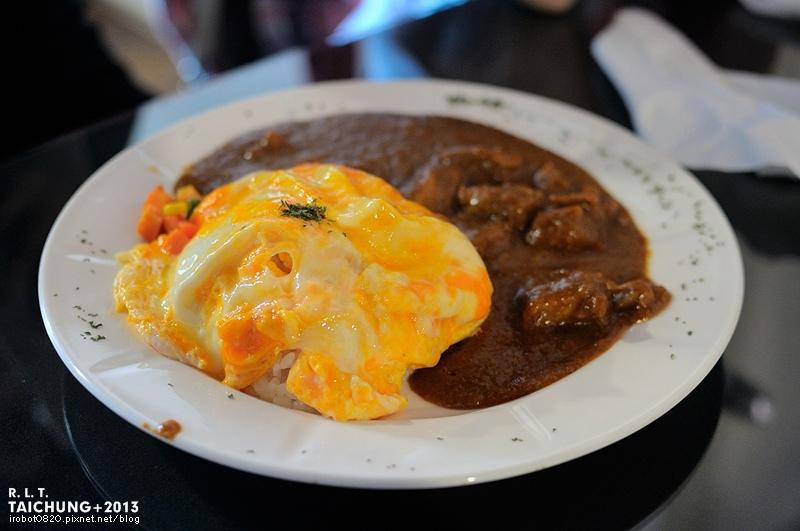 台中-異鄉人咖哩日本食堂-漢堡排-牛肉-豬肉滑蛋咖哩