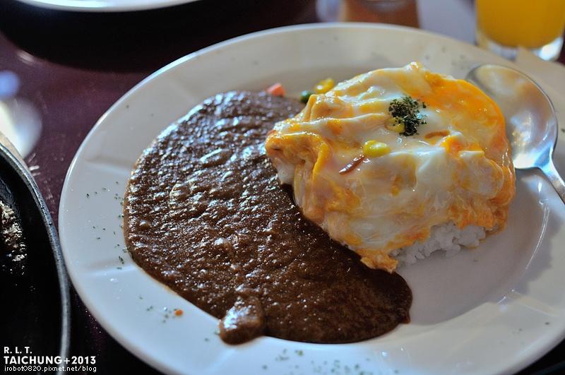 台中-異鄉人咖哩日本食堂-漢堡排-牛肉-豬肉滑蛋咖哩 (5)