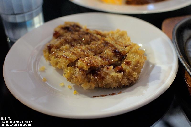 台中-異鄉人咖哩日本食堂-漢堡排-牛肉-豬肉滑蛋咖哩 (8)