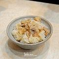 台北-寧夏夜市-圓環邊蚵仔煎+蚵仔湯+米糕+赤肉蒸餃+赤肉蛋包飯+赤肉咖哩+燒麻糬 (7)