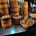 台北-寧夏夜市-圓環邊蚵仔煎+蚵仔湯+米糕+赤肉蒸餃+赤肉蛋包飯+赤肉咖哩+燒麻糬 (16)