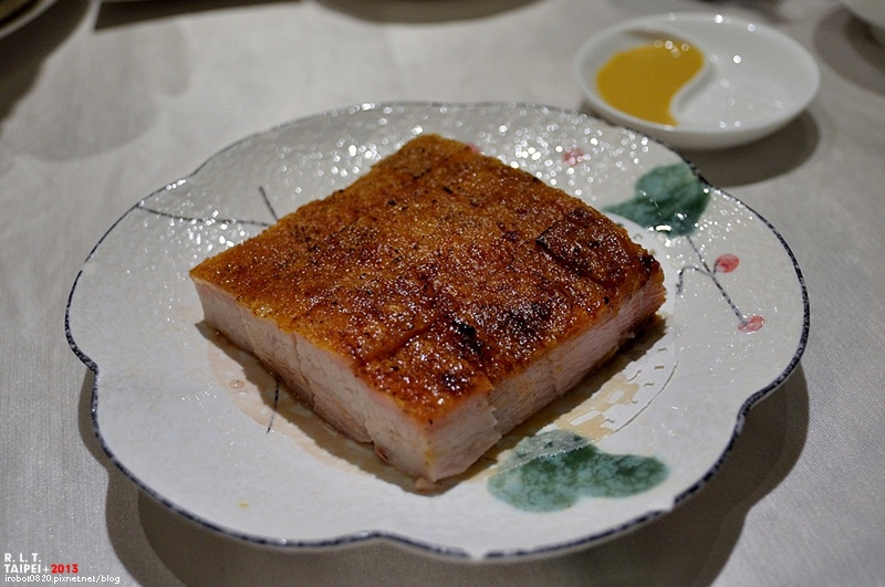 台北-吉品海鮮餐廳-港式料理點心-冰火乳豬-揚州炒飯-信義店-大樓二樓