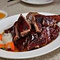 台中-東興路-燒鵝之家-最好吃的燒鵝-脆皮豬-金莎黃金豆腐-鵝油飯 (3)
