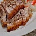 台中-東興路-燒鵝之家-最好吃的燒鵝-脆皮豬-金莎黃金豆腐-鵝油飯 (8)