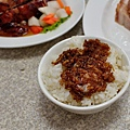 台中-東興路-燒鵝之家-最好吃的燒鵝-脆皮豬-金莎黃金豆腐-鵝油飯 (10)