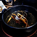 台北-乾杯黑毛屋-澳洲和牛鍋物-六白黑毛豬-黑羽土雞-水炊鍋-涮涮鍋-壽喜燒 (15).JPG