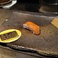 高雄-初鮨-阿慶-全握-黑鮑-鮭魚-天上鰤-生筋子-和歌山鮪魚-真牡丹 (9).jpg