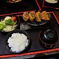 JOH Dining Kitchen-台北-忠孝復興-頂好商圈-大安路-炸和牛肉餅-日本米-烤雞肉串-青唐味增-漢堡排 (9).JPG