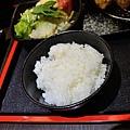 JOH Dining Kitchen-台北-忠孝復興-頂好商圈-大安路-炸和牛肉餅-日本米-烤雞肉串-青唐味增-漢堡排 (10).JPG