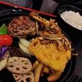 JOH Dining Kitchen-台北-忠孝復興-頂好商圈-大安路-炸和牛肉餅-日本米-烤雞肉串-青唐味增-漢堡排 (14).JPG