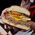 高雄-FRIDAY美式餐廳-星期五-起司漢堡-豬肋排 (6).JPG