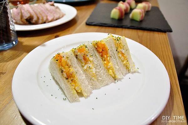 雞蛋三明治+羊排 (1).JPG