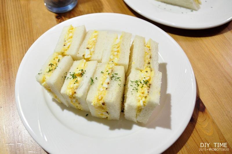 雞蛋三明治+羊排 (2).JPG