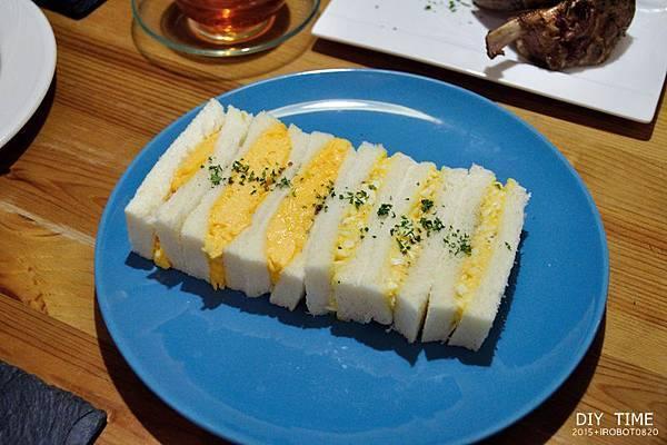 雞蛋三明治+羊排 (7).JPG