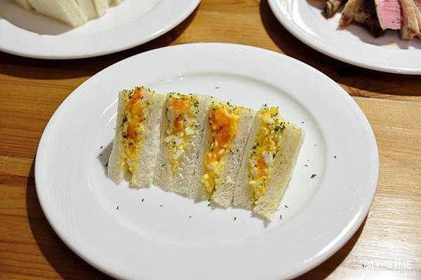 雞蛋三明治+羊排 (8).JPG